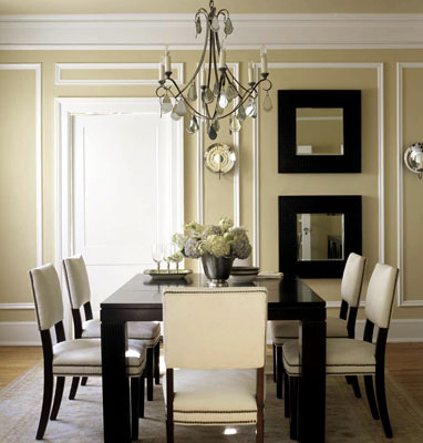 A dining room accented with picture framing molding