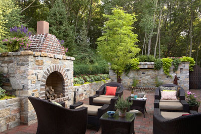Home design tips creating an outdoor living space for Creating an outdoor living space