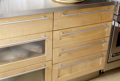 Cabinet Drawers With Handles That Run The Length Of The Drawer